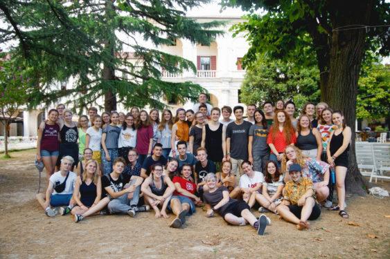 Junge Engagierte diskutieren über die Zukunft Europas