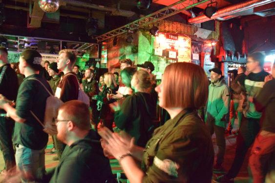 """150 Menschen haben bei """"Bremen macht Lärm!"""" mit SHL ein Zeichen gegen Rassismus gesetzt"""